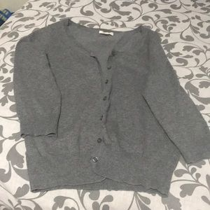 A good condition gray color bottoms sweater